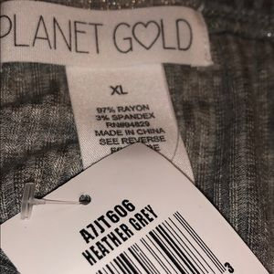 Planet Gold Tops - Planet Gold center twist crop junior tops L & XL